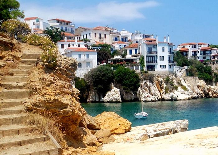 At Holidays. Ταξιδιωτικό Γραφείο στην Αθήνα. Εκδρομή στην Σκιάθο
